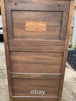 1906 VV-XI Victor Victrola Antique Phonograph Cabinet Record Player