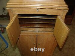 1910's/20's Oak Victrola Antique Phonograph Cabinet Record Player