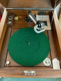 1914 VV-XI or Victrola the Eleventh Phonograph Record Player Console, EUC, Wor