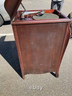 1917 Victor Victrola Antique Record Player