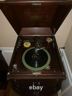 1917 Victor Victrola Antique Record Player and 120 Vintage Records