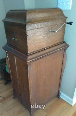 1919 VV-IX Victor Victrola Oak Antique Phonograph Cabinet Record Player