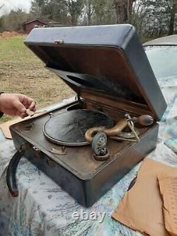 1920's Victor Victrola Hand Cranked Record Player Still Works Good Plays 78's