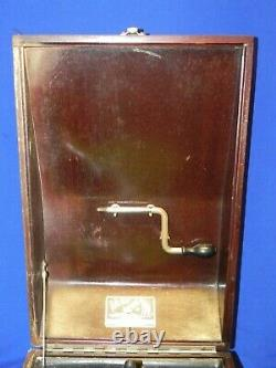 1920's Victor/Victrola Talking Machine Co. VV-50 19686 Portable Record Player
