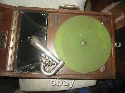 1920's Victor Victrola Talking Machine VV-50 Portable Record Player no 2 Reprodu