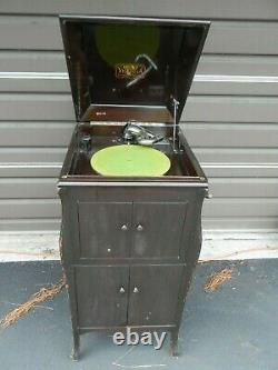 1924 VV-80 Victor Victrola Antique Phonograph Cabinet Record Player Art Deco USA