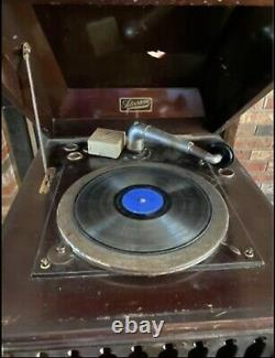 ANTIQUE Silvertone TALKING MACHINE VICTROLA Wind Up Record Player Phonograph