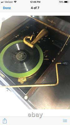 ANTIQUE VICTOR TALKING MACHINE VICTROLA Wind Up Record Player, Phonograph