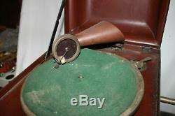 Antique CHILDS CAROLA VICTROLA RECORD PLAYER PHONOGRAPH