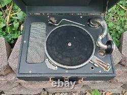 Antique Portable RCA Victrola Crank Suitcase Record Player With Records