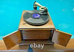 Antique VICTOR VICTROLA VV-IV 196316E. Record Player TALKING MACHINE COMPANY