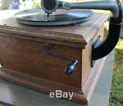Antique Victor Victrola VV-VI Phonograph Record Player Wood Talking Box WORKS