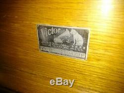 Antique Victor-Victrola VV-VI Talking Machine Record Player Phonograph