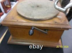 Antique Victor Victrola VV-VI Talking Machine Record Player Phonograph Wood Case