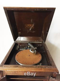 Antique Victrola Phonograph Player