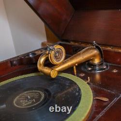 Antique Victrola Phonograph Player, 1904