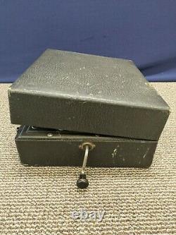 Antique Victrola RCA Phonograph Portable Suite Case Record Player Crank Wind Up
