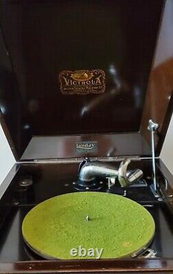 Antique Victrola Talking Machine (Record Player) SN VV-80 116667