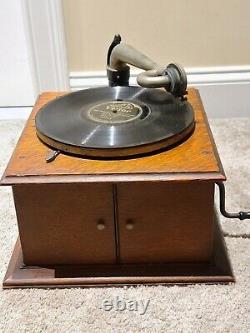 Antique Working 1915 Victor VV-IV Wind-Up Oak Victrola Phonograph Record Player