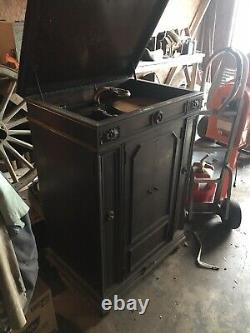 Electric Victrola Phonograph Record Player