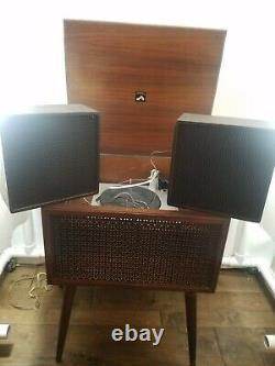 MCM RCA Victor Victrola vintage record player Model VFE 03 W