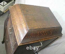 Oak Victor Victrola record Player Phonograph