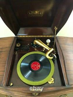 RARE Near-perfect condition antique standing Victrola record player