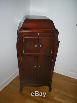 VINTAGE VICTROLA Phonograph PLAYER, 1912 MADE IN Camden, USA