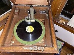 VINTAGE VICTROLA Phonograph PLAYER Works