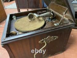 Victor Mahogany Victrola Wind Up Record Player Phonograph Model VV-80
