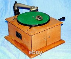 Victor VV-IV Phonograph Talking Machine Record Player 78rpm victrola phono