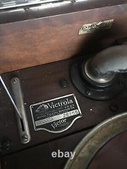 Victor Victrola Granada Phonograph Antique 78 Record Player Vintage Music Old