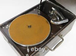 Victor Victrola Talking Machine Company VV-50 Portable Record Player Made In USA