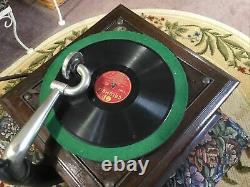 Victor Victrola Talking Machine Phonograph VV-VI Hand Crank Record Player -Works