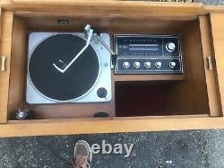 Victrola RCA Victor New Vista Record Player Console 1960s Era