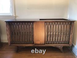 Victrola Rca Victor Record Player Model Vht 33w