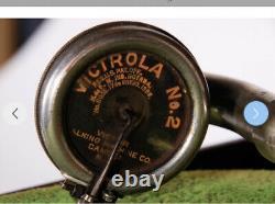 Victrola Talking Machine Company VV-50 Portable Record Player