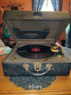 Victrola record player antique, 1920s, works and plays records! Orig papwork inc