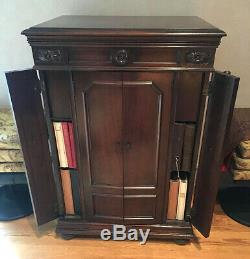 Vintage 1926 Victor Victrola VV8-30 Record Player with Over 400 78rpm Records