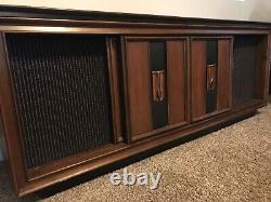 Vintage Rca Victrola Record Player Radio Console
