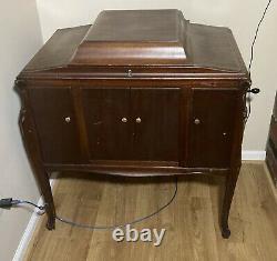 Vintage Victor Victrola Talking Machine VV-280 Record Player Phonograph Gold